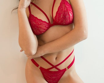 Red Lace Lingerie Set LOVE ME MORE + Panty