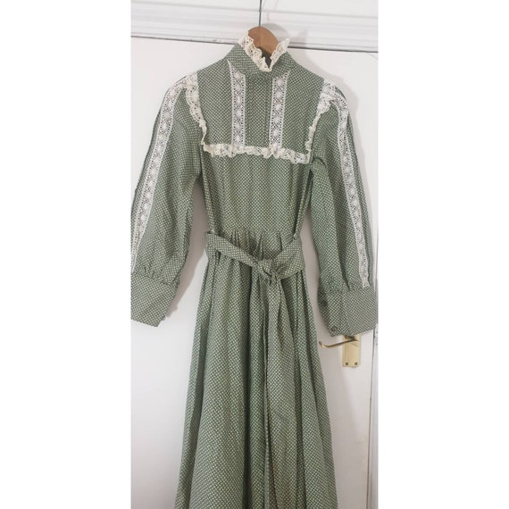 Maxi dress Vintage Laura Ashley Made in Wales Whit