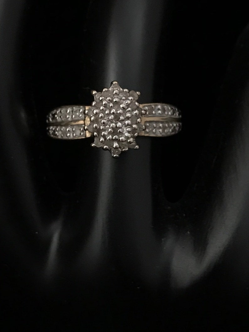 Ladies 10k gold diamond ring