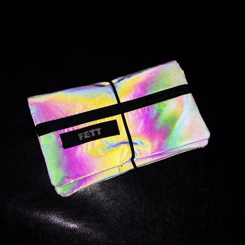 Reflecting tobacco pouch tobacco bag image 0