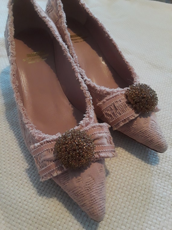 Lady's Baroque style dusty pink Moschino pumps - image 1
