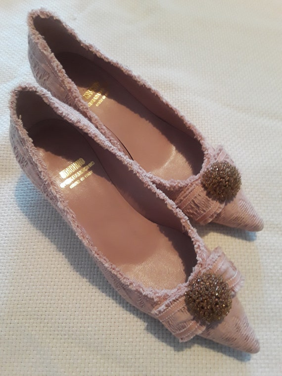 Lady's Baroque style dusty pink Moschino pumps - image 2