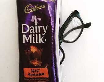 AD80 Vintage Cadbury/'s Dairy Milk Chocolate Advertisement Framed Poster A3//A4