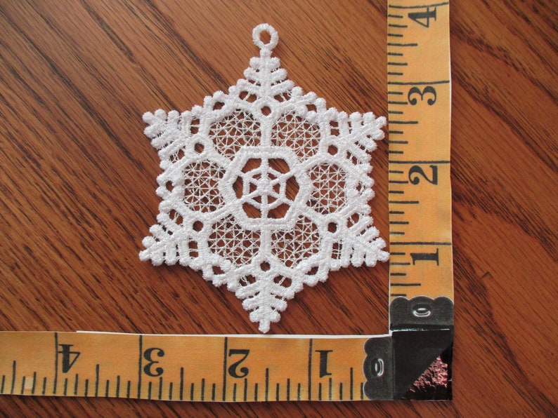 Lace Ornament Machine Embroidered set of 4 AP463A-004