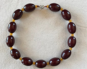 Necklace made of bold agate chips