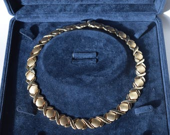 14 CT Yellow Gold Hugs and Kisses Necklace