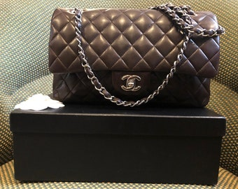 c22a99559b17 CHANEL Vintage Double Flap Quilted Chain Shoulder Bag Timeless 2.55