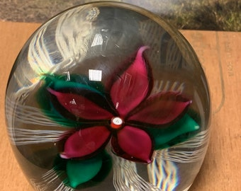 Huge 1976 strathearn glass paperweight