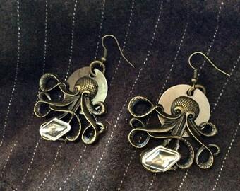Steampunk #octopus #earrings #steamartist #steamstyle #steamearrings