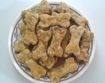 24 Homemade Spinach Zucchini Dog Treats - All Natural - No Preservatives - Vegan Dog Biscuits -