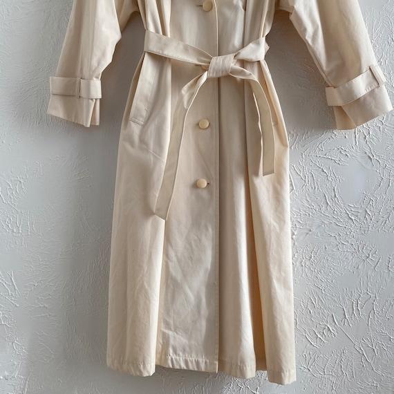 80s London Fog  • feminine trench • ivory raincoat - image 6