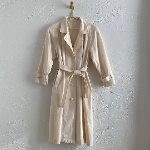 80s London Fog  • feminine trench • ivory raincoat