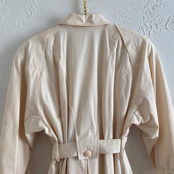 80s London Fog  • feminine trench • ivory raincoat - image 5