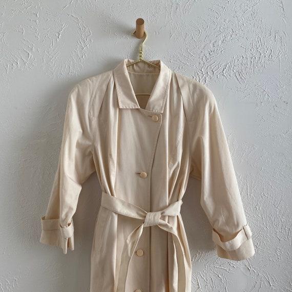 80s London Fog  • feminine trench • ivory raincoat - image 4