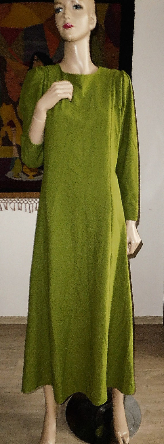 Green Long Dress/Very Modern Elegant - image 6