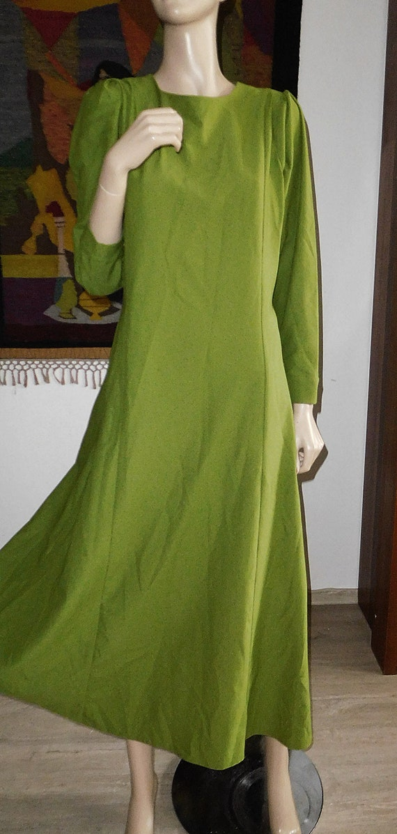 Green Long Dress/Very Modern Elegant - image 4