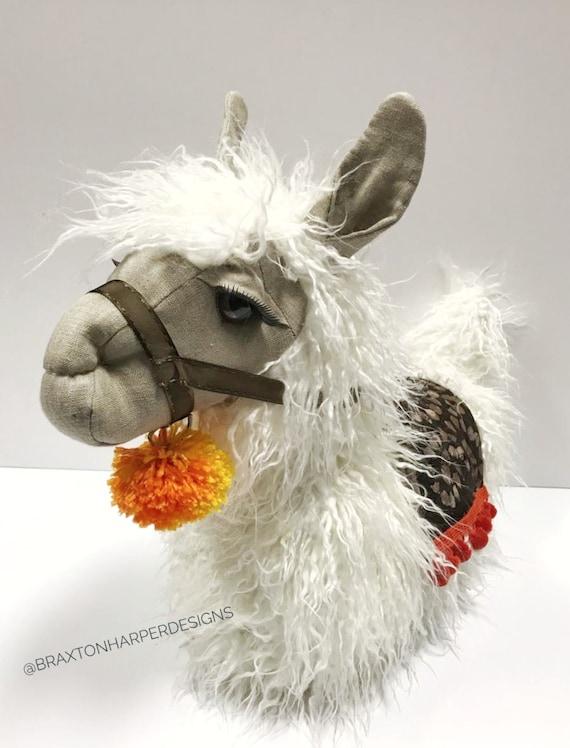Irresistibly Adorable Llama Decor for the Nursery