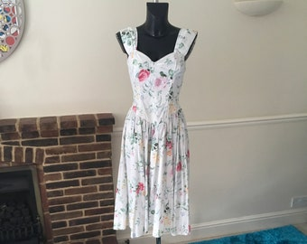 3f5e690bc30 Vintage Floral Rose Petal Pastel Elasticated Bodice Summer Dress. Size 12-14