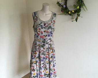 Vintage Wild Flower Gorgeous Print Midi Dress. Size 16+