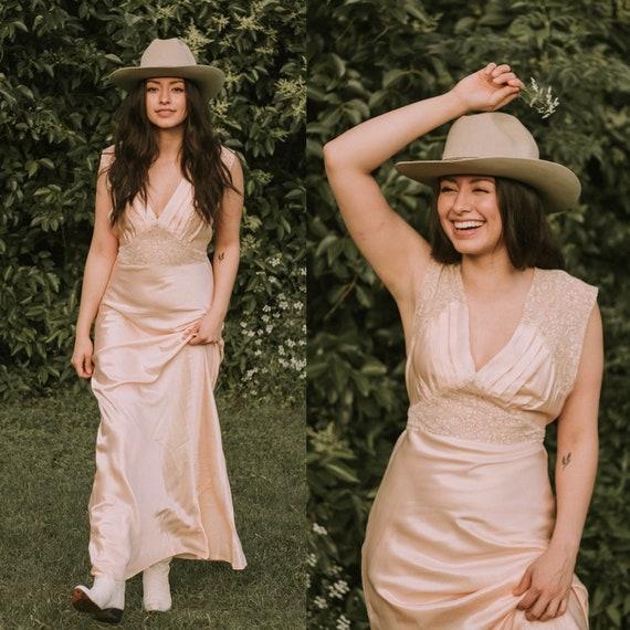 vintage 1930s slip dress / 30s lace silk bias cut