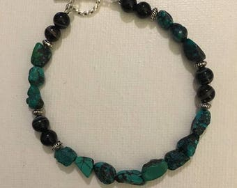 Turquoise bracelet with toggle clasp