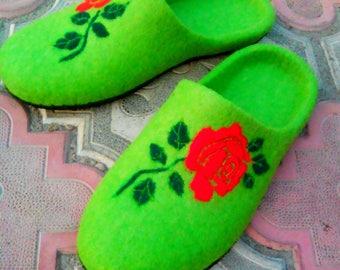 Women's slippers handmade from felt