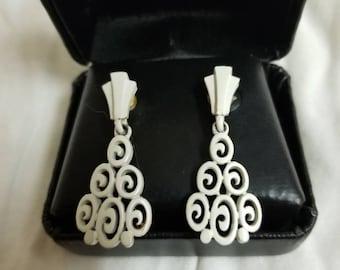 Vintage white lattice work earrings