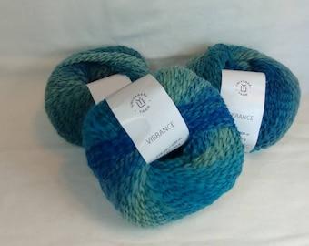 BLUEBERRY PIE Colorway of Universal Vibrance Balls- #1 Super Fine  1.75oz/50g - 218 Yds/200m - 73%/24/3 Super Wash Wool/Nylon/Poly