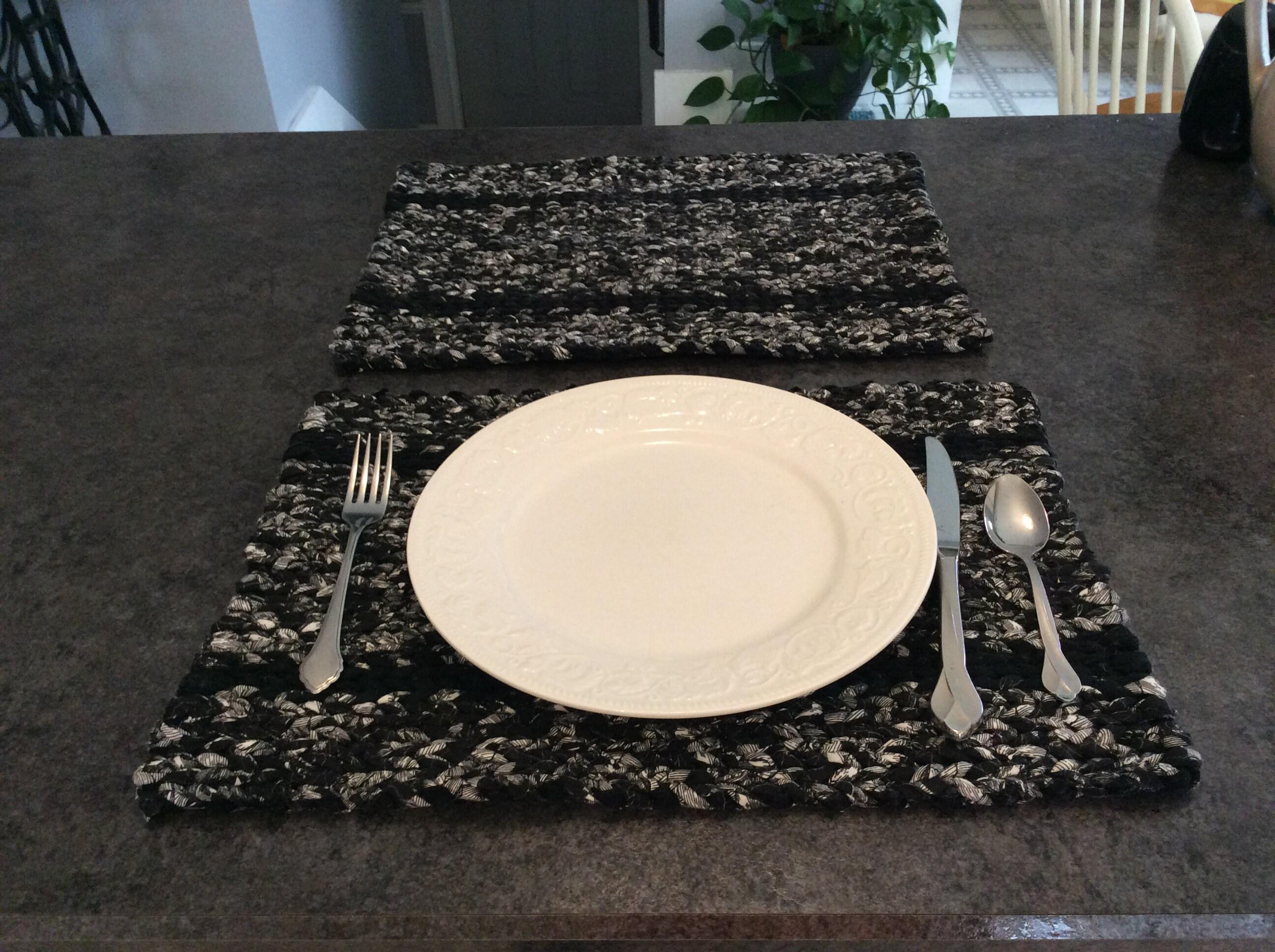 2 X Black Table//place Mats