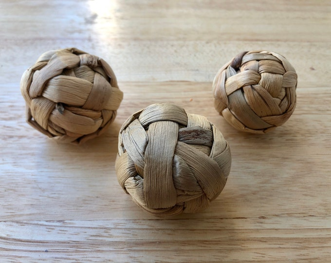 Natural Water Hyacinth Balls Chew Toy / Boredom Breaker Toy / Guinea Pig / Rabbit