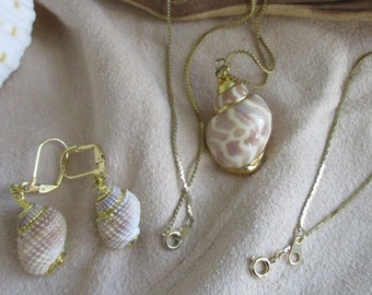 She Sells Sea Shells II:  3 pc 10K edged shells and gold-tone chain, bracelet, lever backs.  Estate & newly crafted Jewelry, Sudy Set, MS170
