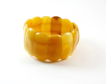 Authentic Baltic Amber, elegant and stylish bracelet made of pure natural Baltic amber.