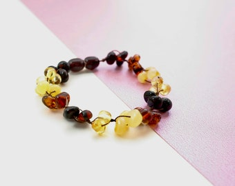 Beautiful amber bracelet and stylish accessories. Perfect gift for your friend. Pure amber bracelet