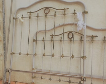 Antique wrought Iron bed frame / Shabby vintage twin size cast iron bed