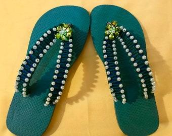 8e42e9447faa9 decorated havaianas flip flops