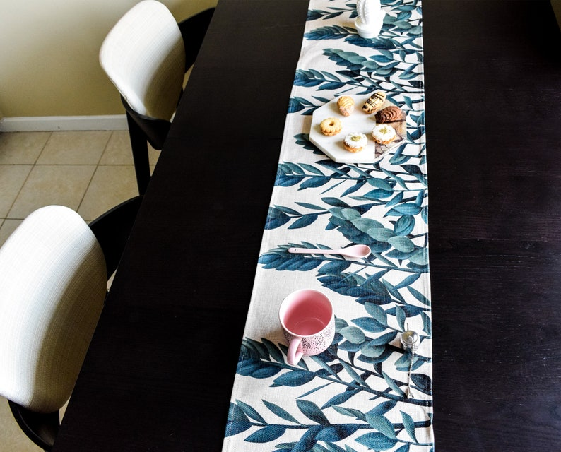 Ivy  Table Runner image 0