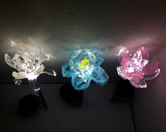 Free US Shipping~Set of 3 Art Glass Garden Solar LED Lights/Pathway/Garden Decor/Sun Catcher/Flower Figurine - White Blue Pink