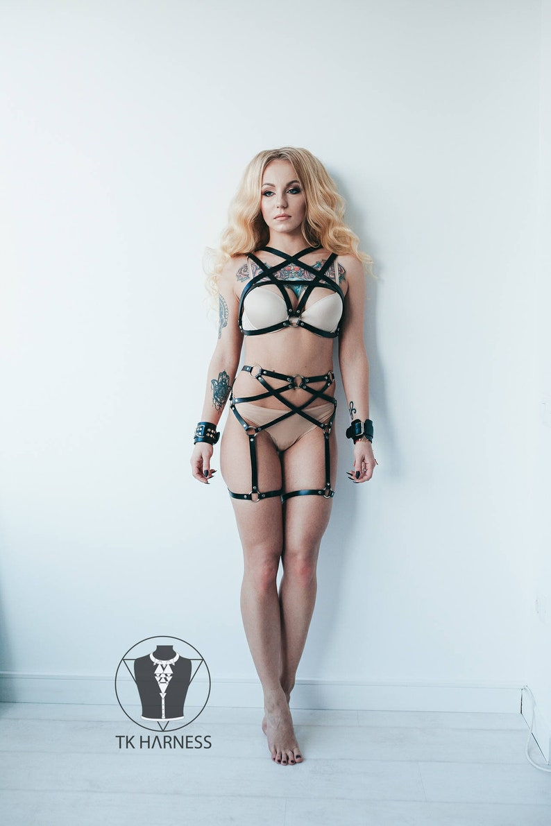 Strappy lingerie,Cage harness,Body cage,Harness lingerie,Body harnesses,Bondage harness,Fashion harness,Leather lingerie,Harness bra,Mature