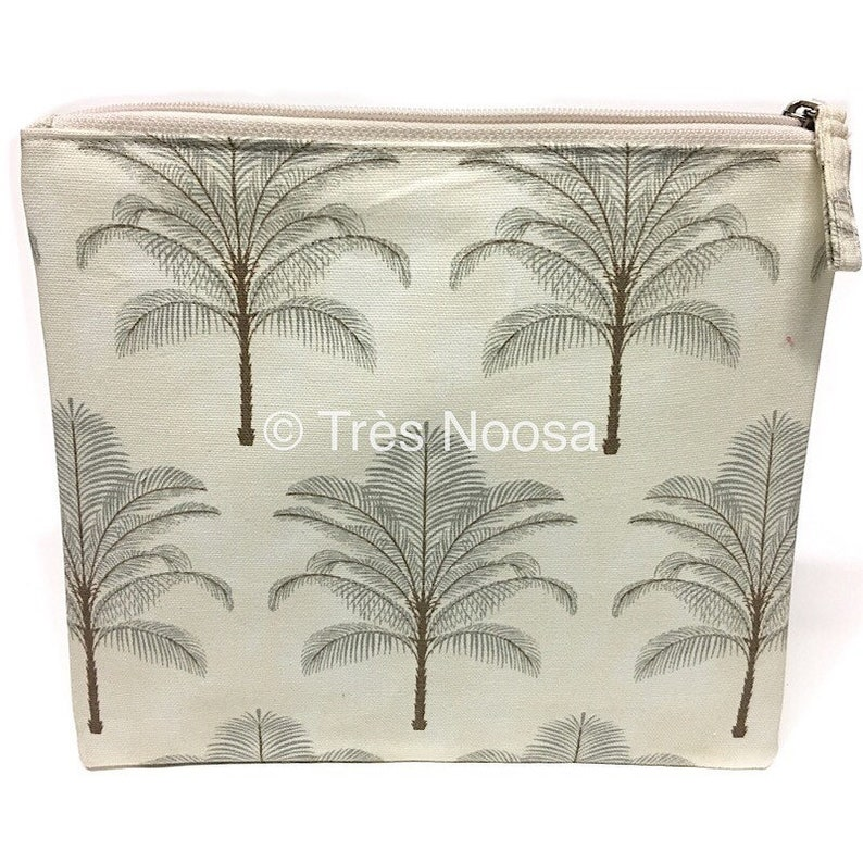 0266638130 Tommy Bahama cosmetic purse or bag