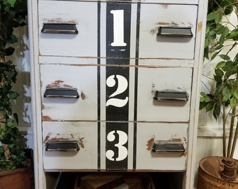 Vintage waterfall chest of drawers/dresser