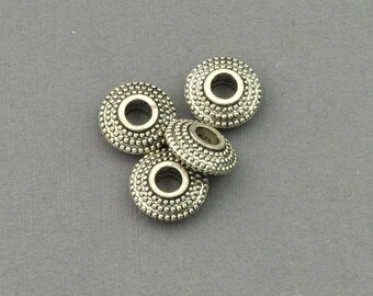 Antique Silver Tone Textured Charm (AS00-0110)