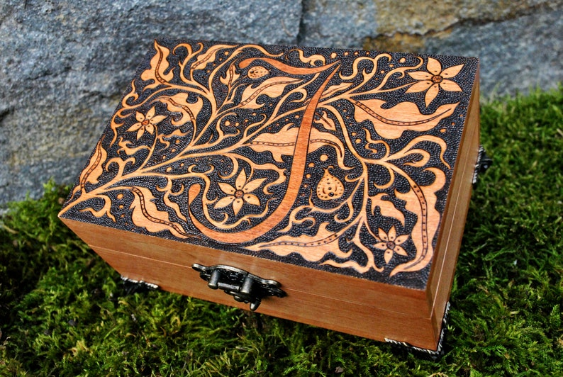 Wooden Keepsake Box Engraved Jewelry Box Engraved Wooden Box Custom Wood Box Monogram Jewelry Box Monogram Keepsake Box Floral Initial