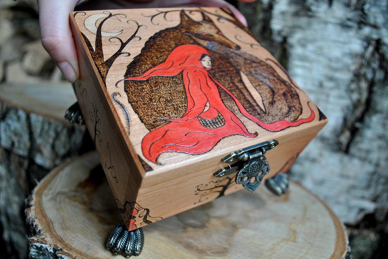 5th anniversary gift OOAK Wooden keepsake box Gem Wood burned box Pyrography Floral ornament Tarot deck box Wooden jewelry box