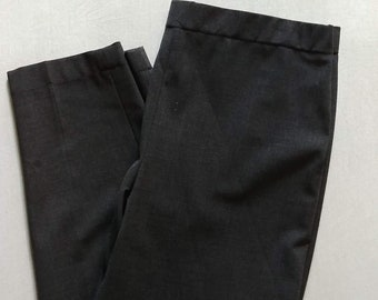 9|15 Saks Fifth Ave Womens Pants / Like New / Charcoal Grey / Size 8 / Soft Tapered Work Slacks