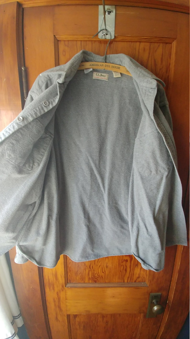 7aaf2c8af76d1 90s Vintage L.L.Bean Men s Chamois Shirt Large   Slate Gray Buttondown  Cotton Flannel   Size 17   Warm Formal Casual Thanksgiving Minimalist