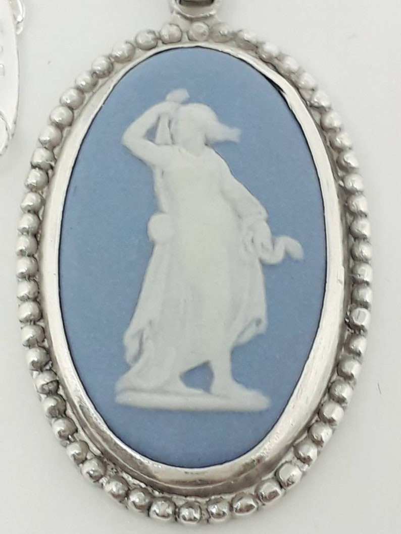 Wedgwood 1961 Blue Genuine Jasperware /'Hygieia Goddess of Health/' Cameo Oval Pendant Fully Hallmarked Chester Assay New Sterling 925 Chain