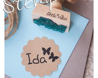 Stempel Kind Name  2 Schmetterlinge personalisiert * Einschulung * Schulanfang