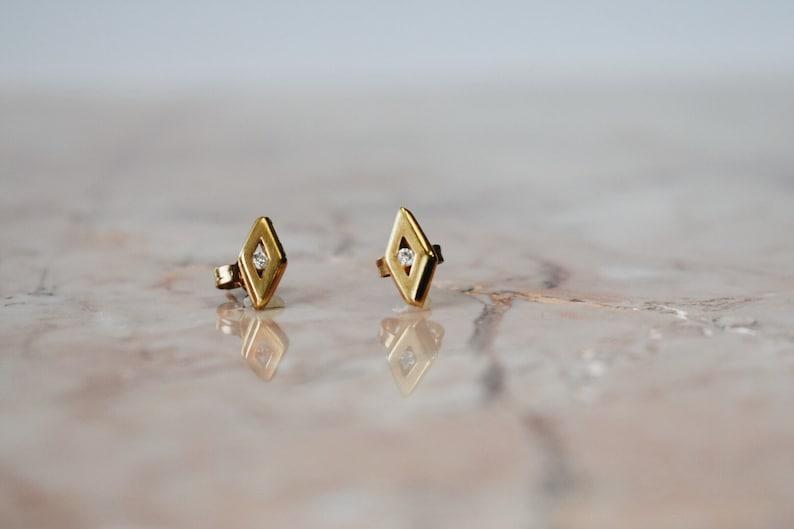 14k Diamond Shape Stud earrings