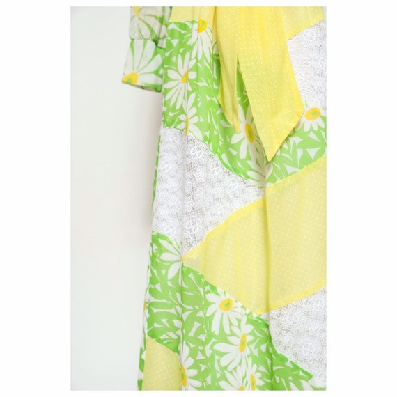 vintage late 60s/early 70d unbranded daisy yellow… - image 5