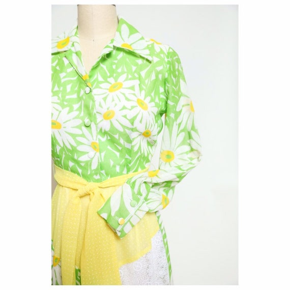 vintage late 60s/early 70d unbranded daisy yellow… - image 4